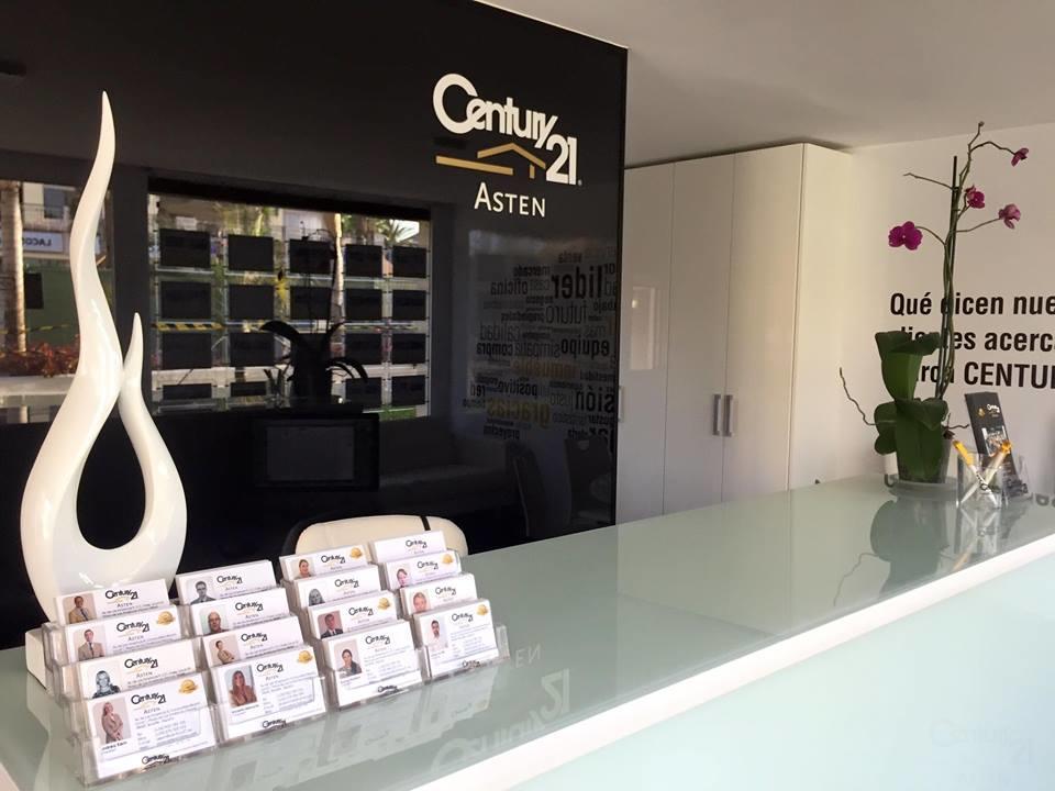 Nieuw beeld van het kantoor Century21 Asten