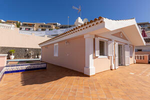 4 Bedroom Villa - San Eugenio Alto (0)