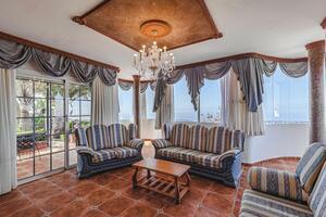 6 Bedroom Villa - Los Menores (0)