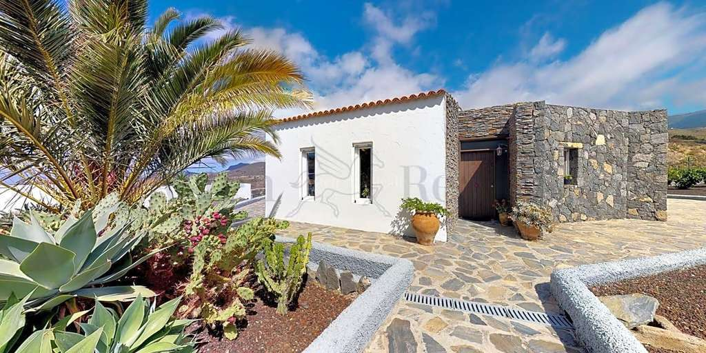 3 Bedroom House - Charco del Pino