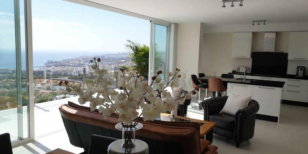Luxury 4 Bedroom Villa - San Eugenio Alto - La Tagora